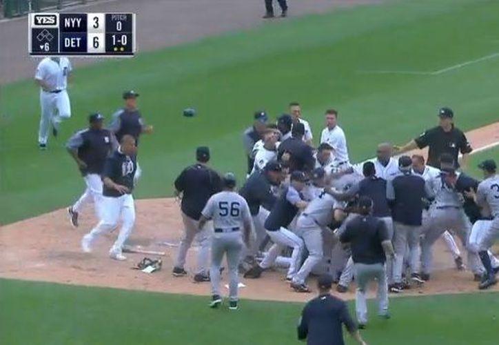 El incidente inicial ocurrió cuando Cabrera y Romine pelearon en el plato. (ESPN)