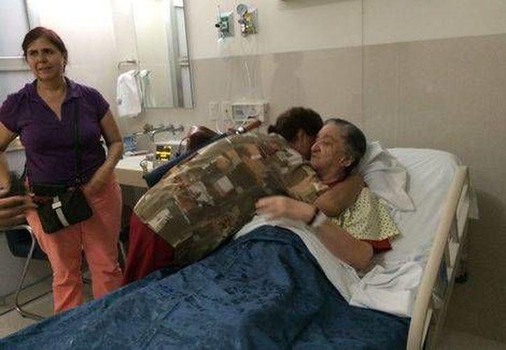 Mamá Rosa ha recibido la visita de amigos en el hospital San José, en Guadalajara . (Milenio)
