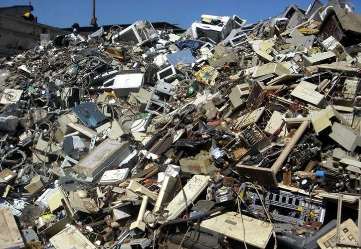 México produce más de 358 mil toneladas de basura electrónica. (Contexto/Internet)