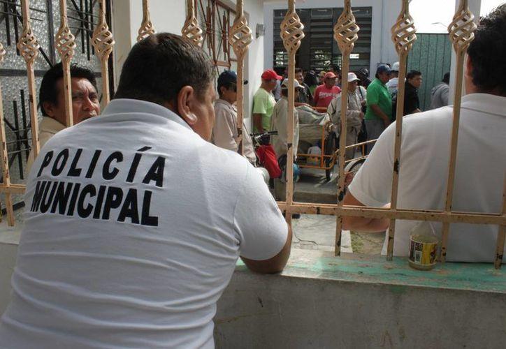 Señalaron que el recurso que deben percibir es de cuatro mil pesos mensuales por cada uno. (Carlos Horta/SIPSE)
