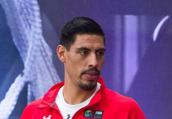 El basquetbolista Gustavo Ayón encabeza la lista del Premio Nacional del Deporte. (Archivo/NTX)