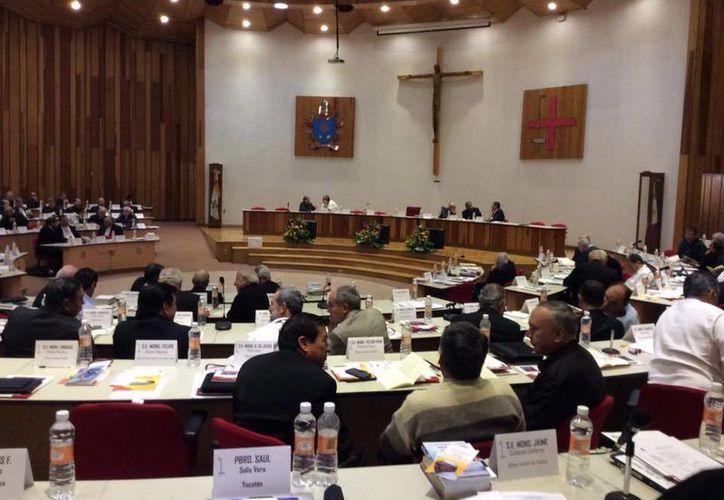 La Conferencia del Episcopado Mexicano afirmó que la reciente visita del Papa Francisco se asumió como un mensaje que desafía a la Iglesia a un cambio y que así es acogido. (Facebook: CEM)