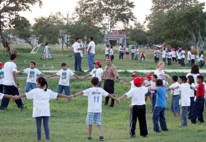 Más de 700 niños disfrutaron juegos y actividades en el curso de verano Campamento Paseo Verde. (Milenio Novedades)
