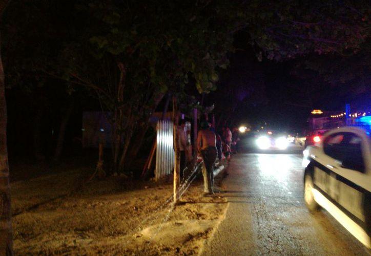 La calma en la zona hotelera de Tulum se rompió la noche de ayer al realizarse detonaciones de arma de fuego en un predio en disputa. (Sara Cauich/SIPSE)