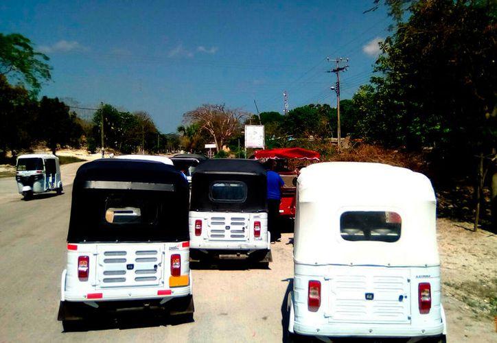 Dentro de la Ley de Transporte del Estado no está considerado el servicio de mototaxis y por ende no puede ser regulado.  (Foto: Jesús Caamal / SIPSE)