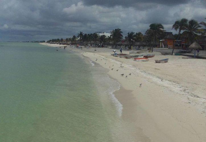 Antes de ser certificada oficialmente, Progreso debe limpiar sus playas y combatir la erosión de sus costas. (Manuel Pool/SIPSE)