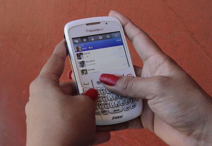 La aplicación de mensajería también dejará de funcionar en todos los dispositivos BlackBerry. (Archivo/SIPSE)