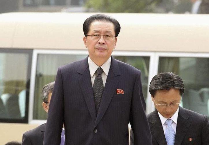 Jang Song-thaek no era cualquier pariente del líder Kim Jong-un sino tu tío y tutor. Fue ejecutado, por órdenes de su sobrino, en diciembre de 2012. ¿La causa? Alta traición.