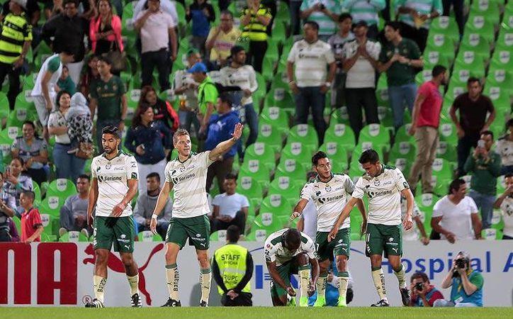 Santos ganó 2-1 al América y avanzó a la siguiente ronda de la Copa MX como primer lugar de grupo, mientras que los azulcremas terminaron en segundo. (Imago7.com)