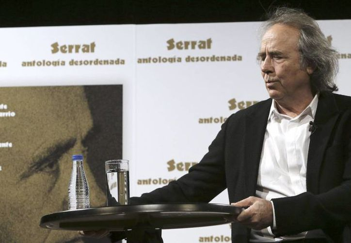Joan Manue Serrat, con una sólida carrera de cinco décadas, será galardonado en una ceremonia que tendrá lugar en el Teatro del Liceu, Barcelona. (Archivo/EFE)