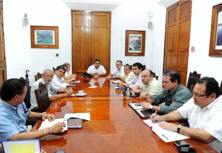 Sesión del comité de seguimiento del proyecto del tren transpeninsular. (SIPSE)