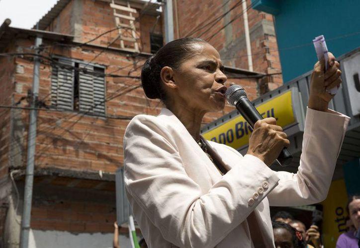 La candidata opositora Marina Silva, miembro de la organización pentecostal Asambleas de Dios, se ha limitado a hacer campaña en círculos religiosos. (AP)