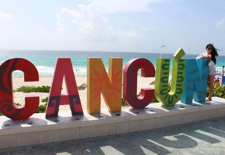 """El parador fotográfico de Cancún fue instalado hace dos años en la playa conocida como """"El Mirador"""". (Luis Soto/SIPSE)"""
