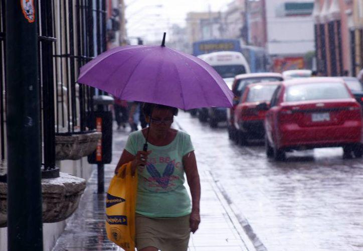 La onda tropical 18 originó lluvias en Mérida el martes. (SIPSE)