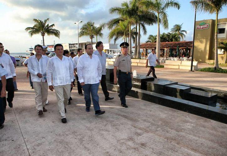 El remodelado Parque Juárez de Cozumel fue inaugurado ayer. (Cortesía)