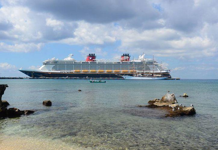 En el 2012 atracaron 111 cruceros en la isla. (Gustavo Villegas/SIPSE)