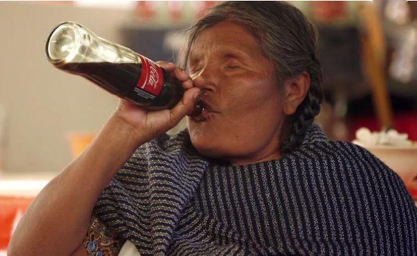 Los mazahuas del Estado de México están abandonando su dieta milenaria basada en legumbres, verduras y hortalizas para pasarse cada vez más a la chatarra. (Christian Palma/internacional.elpais.com)