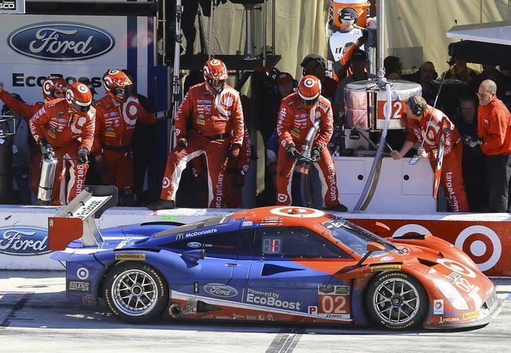 El Ganassi Racing se impuso en la primera carrera de la temporada. (Foto: AP)