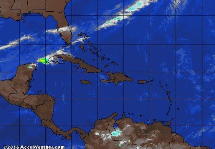 Para este domingo el Servicio Meteorológico Nacional pronostica 80% de posibilidades de lluvia en Q. Roo. (trayectoriadelhuracan)