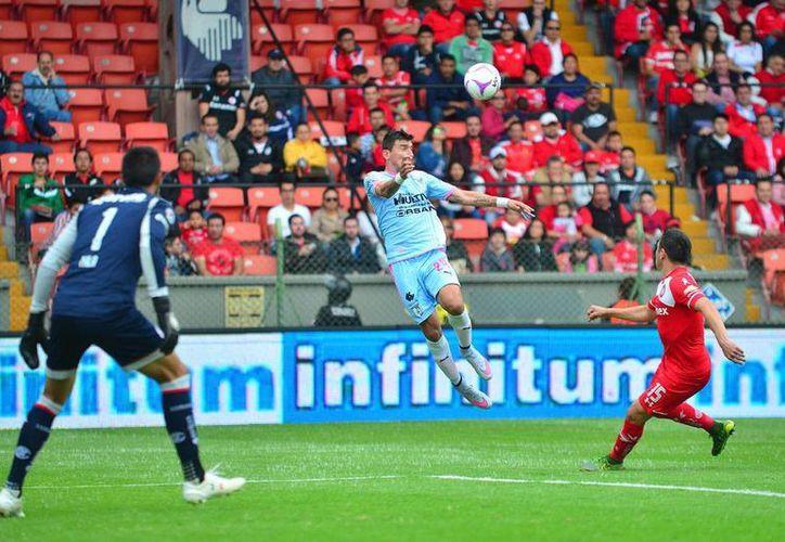 Gallos Blancos tuvo fallas en la defensa, y Toluca aprovechó para meterle 4 goles que dejaron a Querétaro en la lona. (Jammedia)