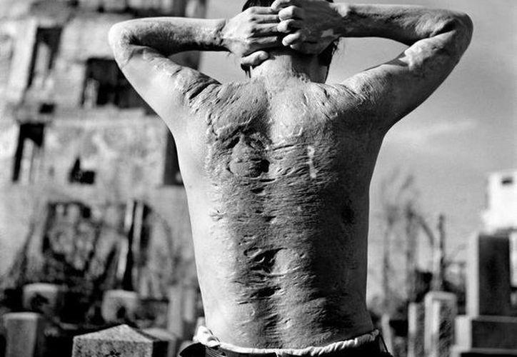 Las bombas atómicas que cayeron en 1945 en las ciudades japonesas de Hiroshima y Nagasaki no solo causaron miles de muertes sino daños colaterales a través de generaciones, por ello el alcalde actual de Hirsoshima pretende que los líderes del mundo recuerden el pasado para que no vuelva a ocurrir. (ansalatina.com)