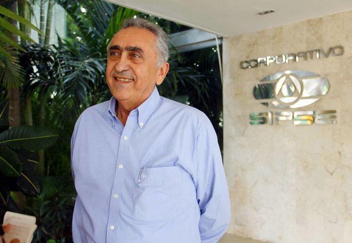 Carlos Pasos Novelo dijo que en 2013 se alcanzó la meta de recaudación. (Milenio Novedades)