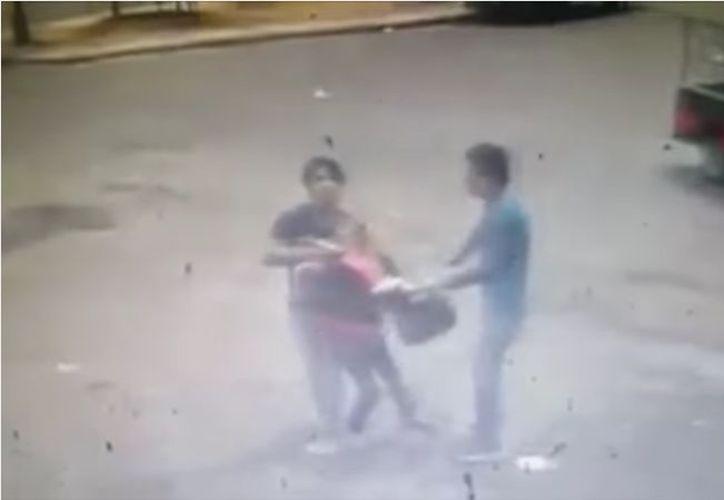 Golpeó a su 'pareja' y lo mató. (Captura de video)