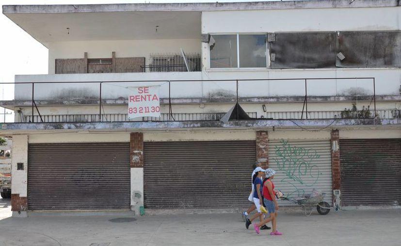 Esta emblemática vía está siendo modernizada, pero falta que los negocios del lugar también cambien su imagen. (Gerardo Amaro/SIPSE)