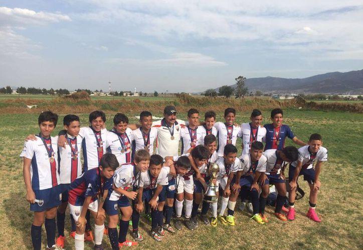 La filial Sub-13 caribeña conquista el torneo Centenario 2016 disputado entre los semilleros. (Ángel Mazariego/SIPSE)