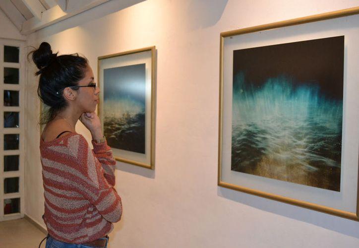 La exposición en la galería Mero 8 forma parte de la III Bienal de Artes Visuales Cancún 2017. (Foto: Josselyn Díaz/SIPSE)