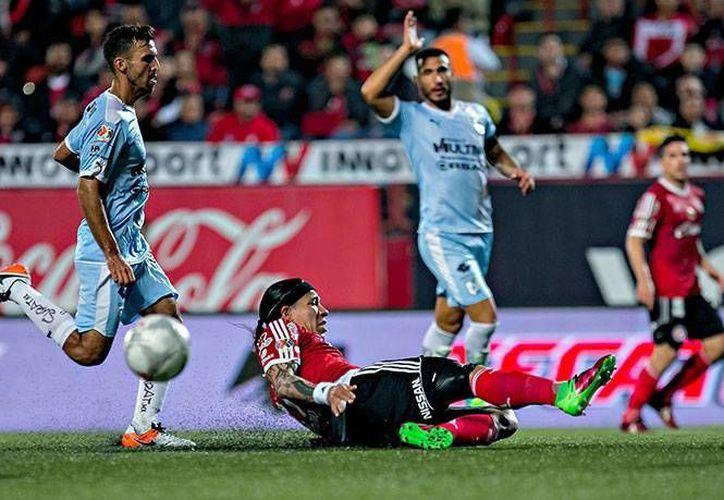 Querétaro logró reponerse de un marcador adverso para sacar el triunfo en casa de Xolos.(Notimex)
