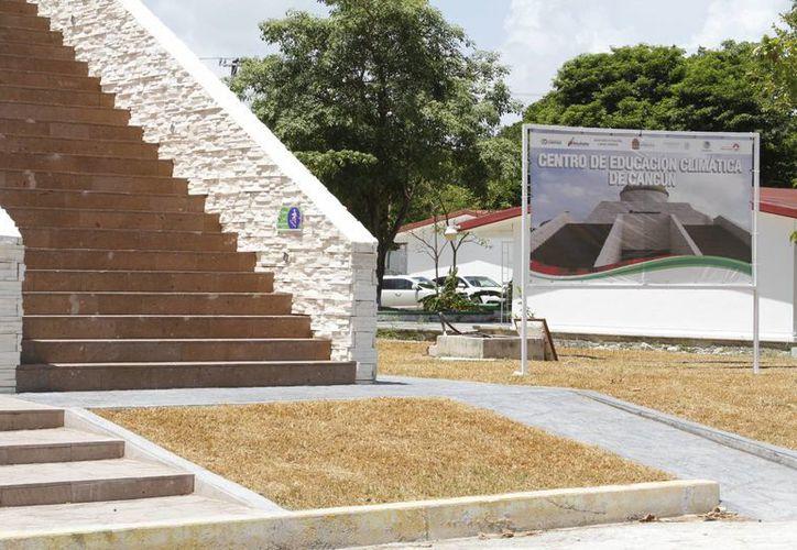 El centro educativo está ubicado en la explanada de la Secretaría de Educación y Cultura (SEyC). (Sergio Orozco/SIPSE)