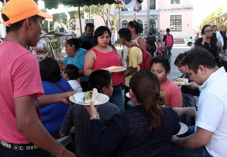 Los malos hábitos alimenticios favorecen el desarrollo del cáncer en el colón. En Yucatán, cada año se detectan 22 nuevos casos en el IMSS. (Milenio Novedades)
