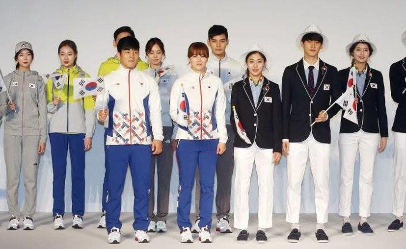 Estos son los uniformes deportivos con tela antizika que utilizarán los surcoreanos en Rio 2016. (caraotadigital.net)