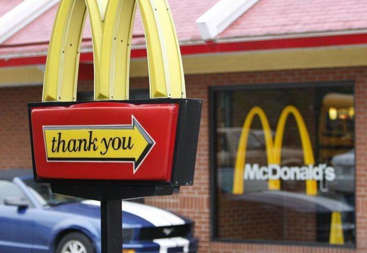 A pesar de que cerrará algunos locales en EU, McDonald's sigue siendo la cadena de restaurantes más poderosa en el país. (Archivo/AP)