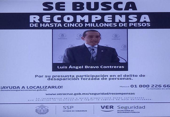 El 13 de mayo el gobierno de Veracruz ofreció una recompensa de 5 millones de pesos por informes sobre el ex funcionario. (Internet)