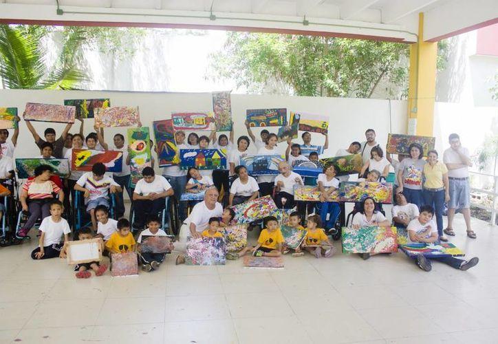 Participaron en el taller niños con discapacidad de la asociación 'Construyendo Sonrisas A. C.'. (Milenio Novedades)