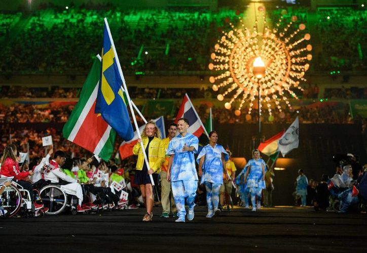 La fiesta paralímpica concluyó con una gran fiesta que incluyó temas relacionados con la conservación de la naturaleza. (Imágenes AP)