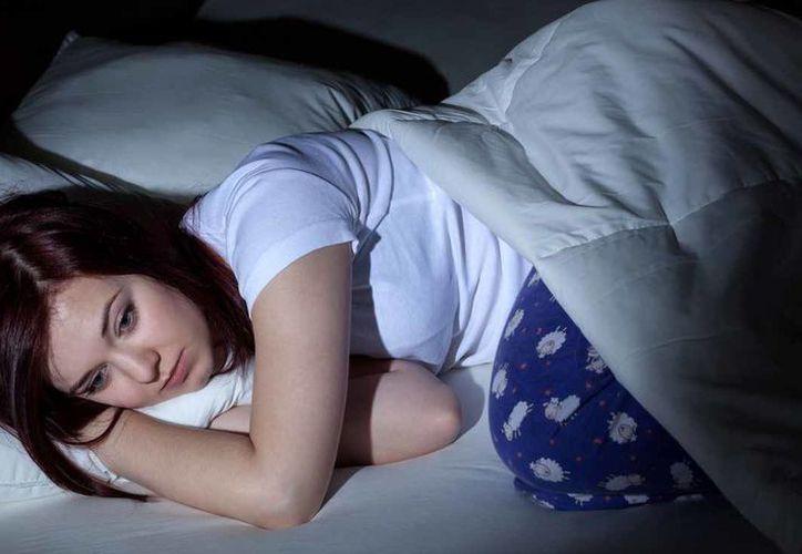 El riesgo de padecer un infarto o un ACV fue, si bien ligeramente, mayor en el caso de las mujeres, muy especialmente en lo que atañe a la falta de un sueño recuperador. (Foto: Contexto/Internet)