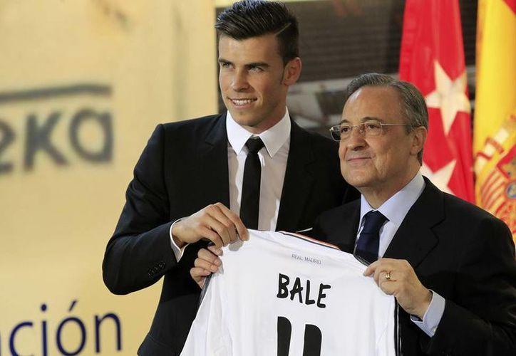 De niño, en Gales, Bale solía ponerse la camiseta del Real Madrid y hoy el sueño se le cumplió. (Efe)