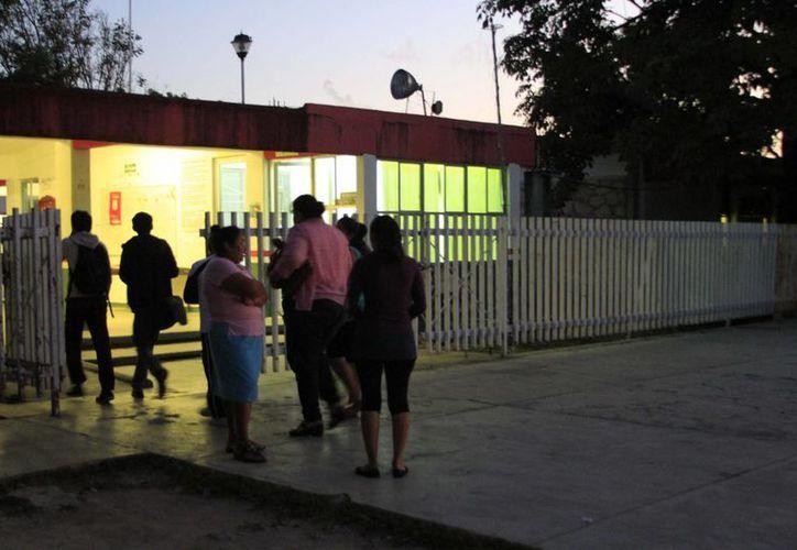 Los alumnos acudieron a las escuelas en el horario que se estableció para la Zona Sureste. (Harold Alcocer/SIPSE)