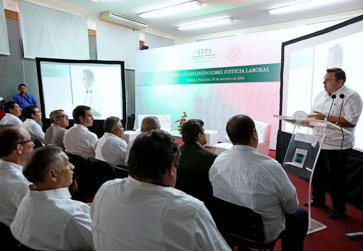 A partir de este lunes se realizan en Yucatán las Mesas de Reflexión sobre Justicia Laboral a nivel sureste. (Milenio Novedades)