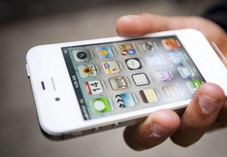 Si roban su celular, avise al operador y proporcióne el código IMEI para bloquearlo. (Archivo/SIPSE)