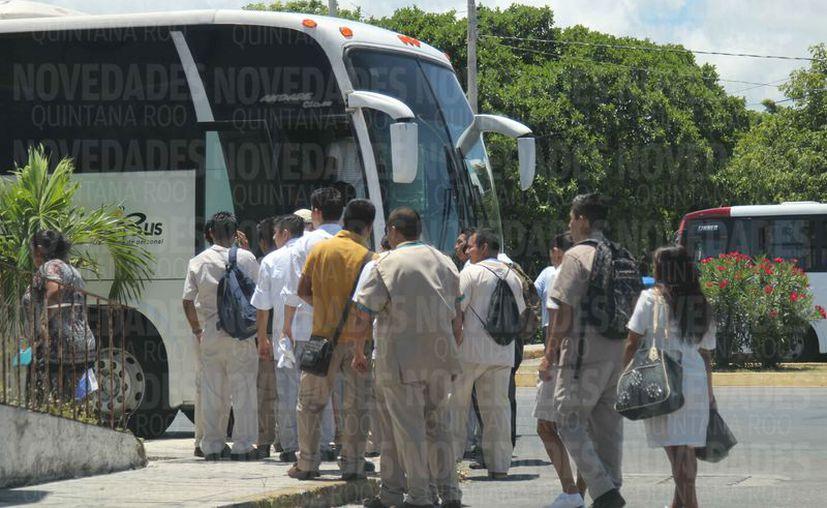 Los inspectores de la dependencia extorsionaban a transportistas de carga y de personal. (Jesús Tijerina/SIPSE)