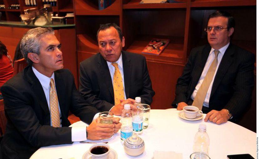 Miguel Ángel Mancera, Jesús Zambrano y Marcelo Ebrard. (Agencia Reforma)