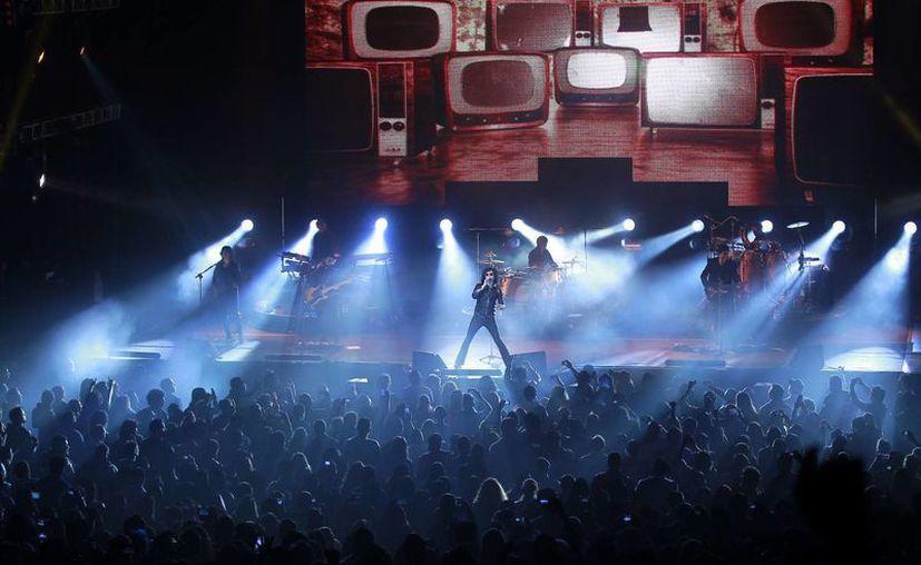 Las nuevas disposiciones de Ifetel evitarán la transmisión exclusiva de eventos masivos tales como conciertos o partidos de futbol. (Notimex/Contexto)