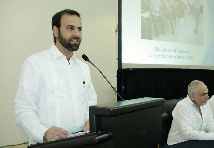 Juan José Abraham Daguer, quien rindió un informe por su primer año de gestión al frente de  la Cámara Nacional de Comercio, Servicios y Turismo, fue reelecto. (Fotos cortesía del Gobierno)