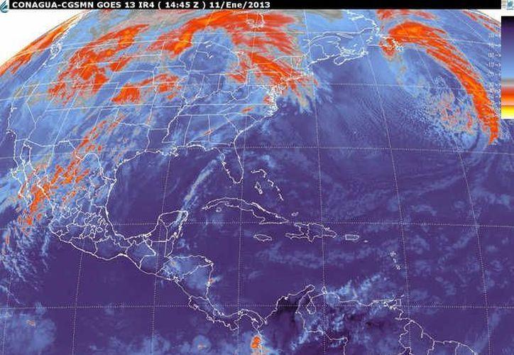 Soplarán vientos del este y sureste de 30 a 50 km/h con oleaje de 1 a  2 metros de altura en la zona costera.  (Internet)