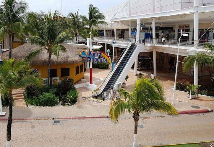 La Plaza Punta Langosta  busca ayudar a víctimas del terremoto en Chiapas y Oaxaca. (Irving Canul/SIPSE).