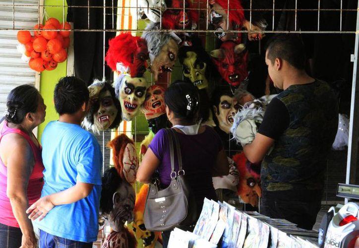 La Profeco prepara un operativo para evitar que los comercios cambien sus precios arbitrariamente por el Día de Muertos. (Ángel  Castilla/SIPSE)